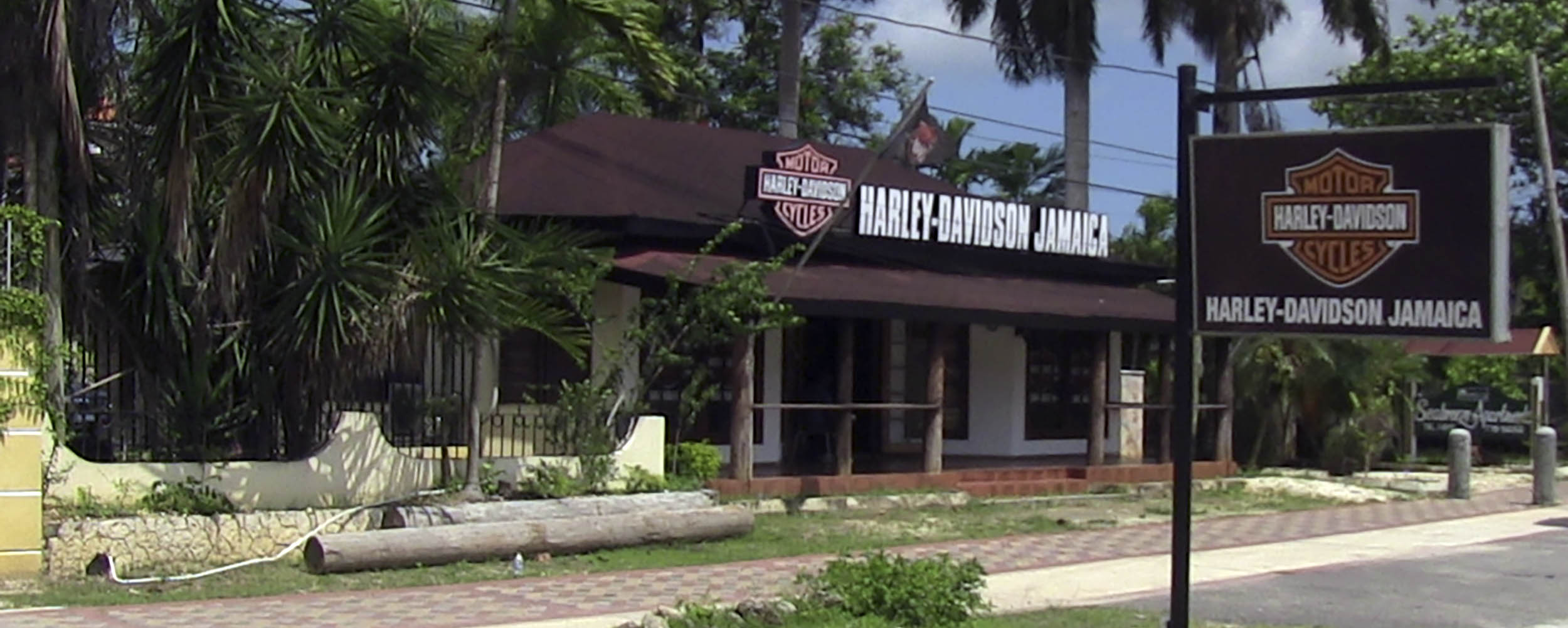 Harley-Davidson - Norman Manley Boulevard - Negril Jamaica